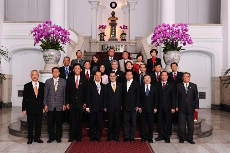 本聯盟全員晉見蕭萬長副總統